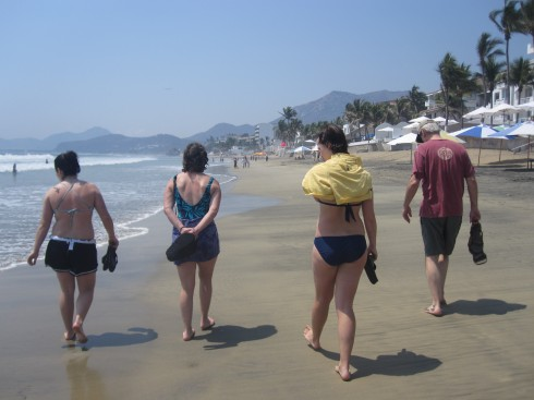Walk on Manzanillo Beach